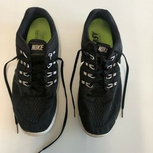 Nike Men's Size 13 Black White Running Shoes